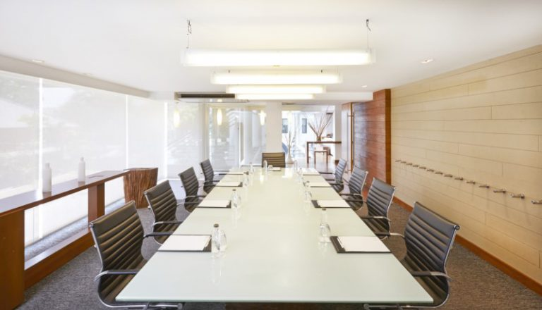 Woodlands Suites Service Residence : Meeting Room
