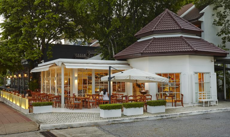 Woodlands Suites Service Residence : Restaurant