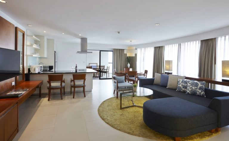 Woodlands Suites Service Residence : 2 Bedrooms Executive Apartment