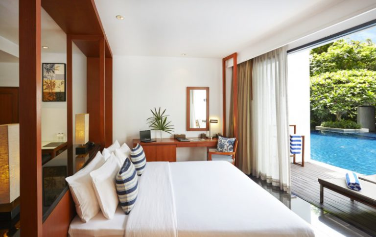 Woodlands Suites Service Residence : Executive Pool Studio Room