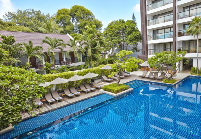 Woodlands Suites Service Residence : Swimming Pools With Sundecks